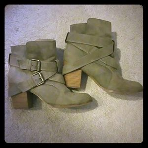 American Eagle Outfitter booties